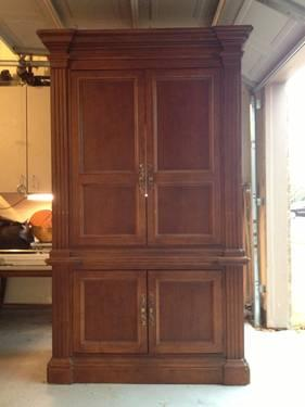 Havertys Quality Wood Armoire for Sale in Grapevine Texas