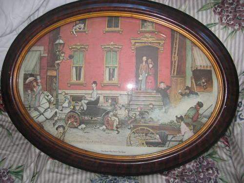 Antique Bubble Convex Glass Tiger Wood Oval Picture Frame