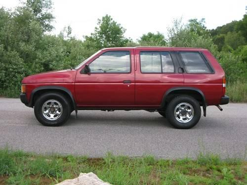 1994 Nissan Pathfinder XE-V6 4X4...Very Inexpensive