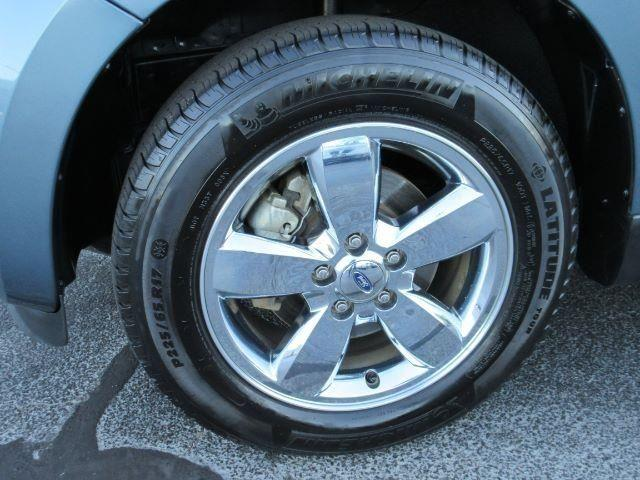 2011 Ford Escape SUV XLT 4dr SUV