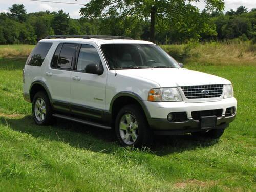 2004 Ford Explorer XLT 4X4....7 Passenger....Mint
